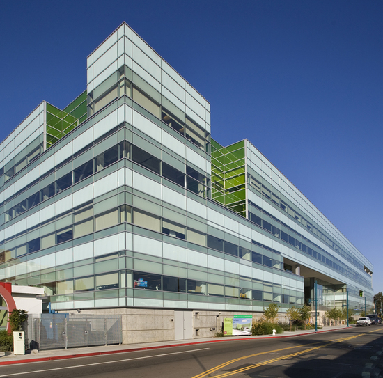 "Headquartered in Emeryville, California, the Joint BioEnergy Institute (JBEI) is now a member of the elite ""100/ 500 Club,"" having filed its 100th patent application and published its 500th scientific paper. (Photo by Roy Kaltschmidt)"