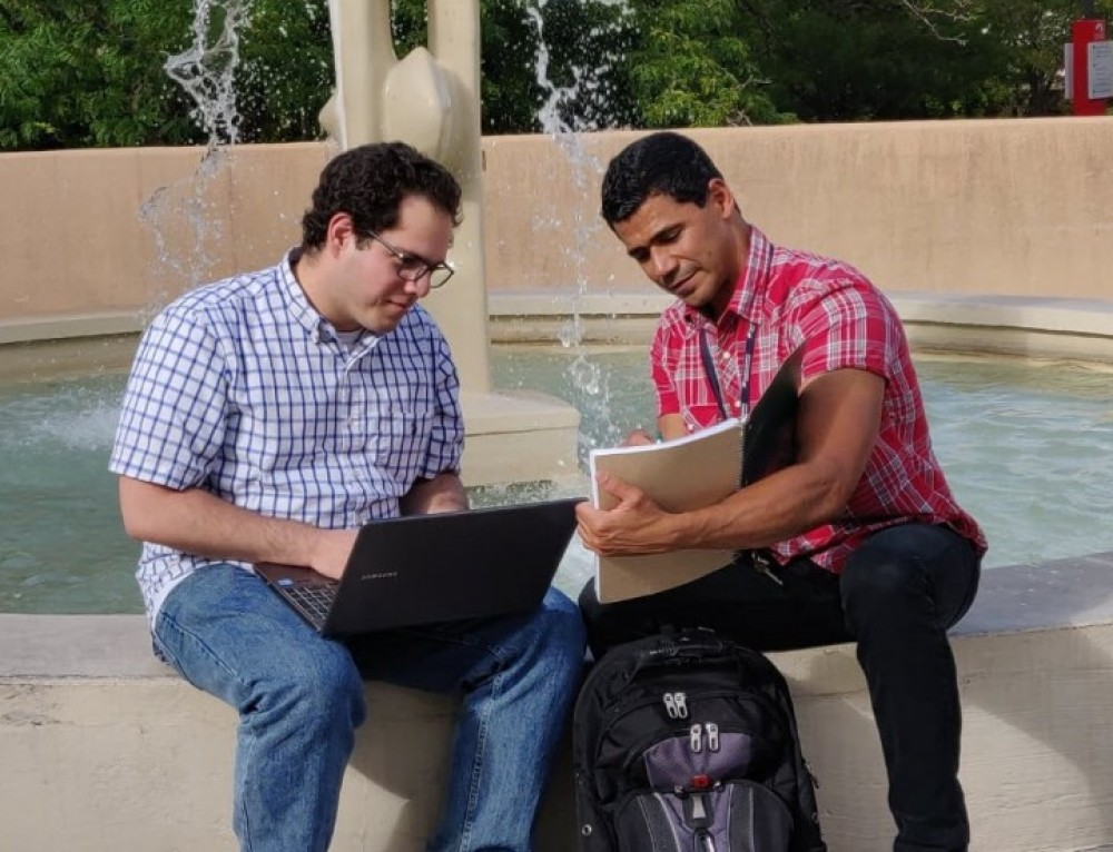 Internships fuel research for engineering students from Puerto Rico