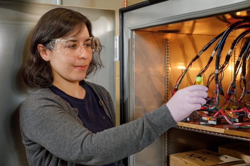 Yuliya tests batteries in her lab to understand how their performance degrades under different conditions.