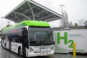 AC Transit bus+h2_(10-Apr-12_web)